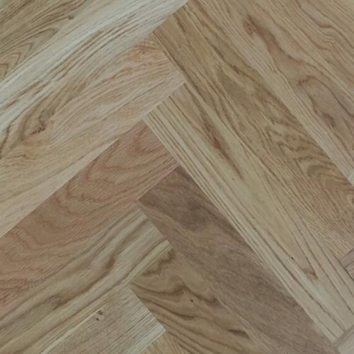 1m²: 22mm - Rustic Grade Oak - Solid - Herringbone Block Flooring - Unfinished - 22x70x230mm - (0.644m²/pk)